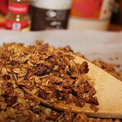 granola_spoon_table_250x250